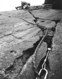 IVAN GUERINI Il gioco arrampicata della Val di Mello