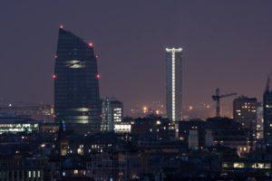 La metropoli è un'ala spiegata sulla notte e sull'alba – Racconto