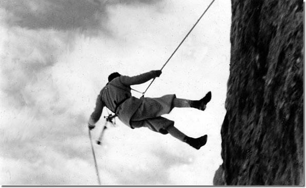 Tracciò 40 nuove Vie sulla catena alpina, e con Bepi Mazzotti fu pioniere di un alpinismo invernale sulle Dolomiti che, abituando gli scalatori ai rigori più estremi, attrasse l'attenzione di Benito Mussolini, che voleva, grazie a loro, creare una scuola di montagna per una élite di soldati scalatori che fossero avvezzi alle situazioni più estreme, da impiegare in rischiose missioni di guerra. Creò con Emilio Comici la scuola voluta da Mussolini, fece decine di salite invernali nelle peggiori condizioni come allenamento, ma peccato che l'allenamento di quei ragazzi fosse destinato alla discesa in campo dell'esercito fascista mandato al macello accanto alle milizie di Hitler, e molti degli allievi finirono in Russia, dove in molti casi morirono.