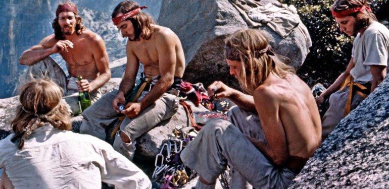 Sognando CALIFORNIA a un passo dal cielo il Climbing e il gioco nella Val di Mello che fu